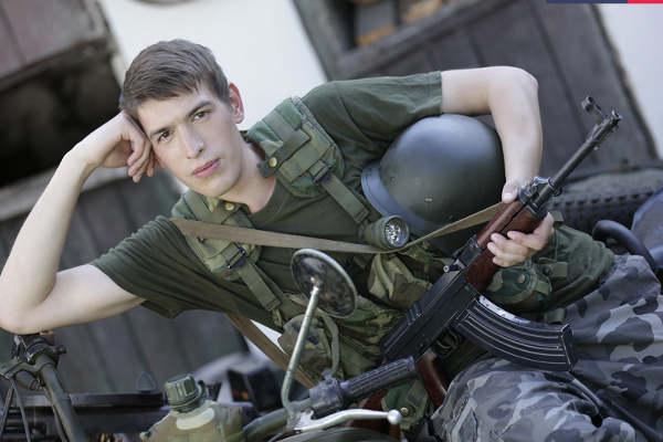 rencontre gay militaire beur gay rencontre