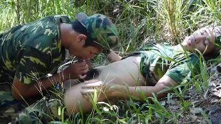 fellation militaires asiatiques